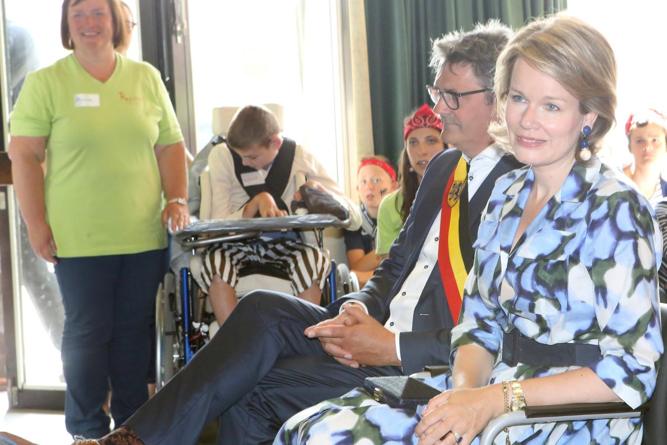 Koningin Matilde bezoekt speelplein Ruimte in Zoutleeuw.