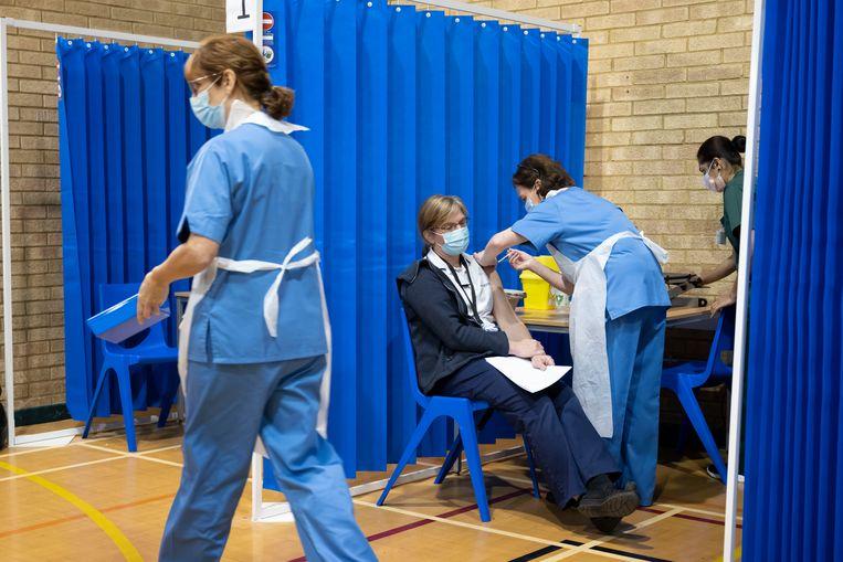 Een vaccinatiehub in Wales.  Beeld Getty Images
