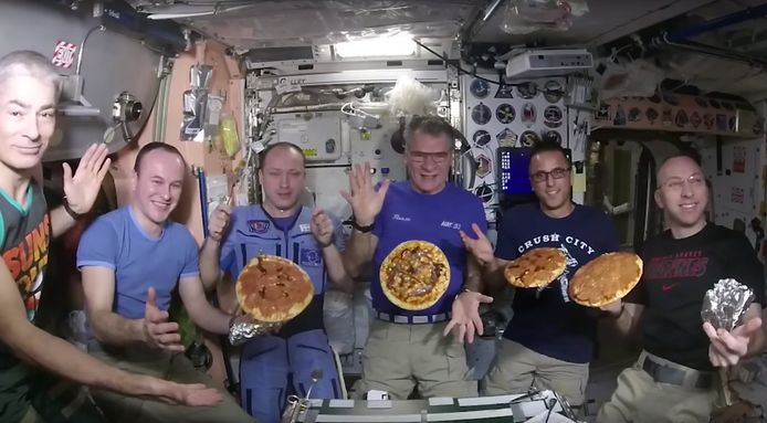 Soms kunnen astronauten zelfs pizza's eten in de ruimte (archiefbeeld ter illustratie).