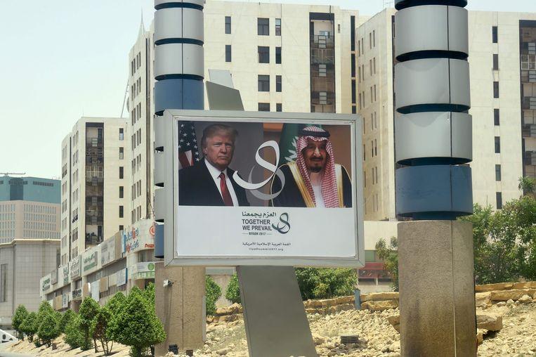 Tijdens het bezoek aan Saudi-Arabië zal Trump een toespraak houden over 'zijn visie op een vreedzame islam' en de strijd tegen terrorisme.  Beeld AFP
