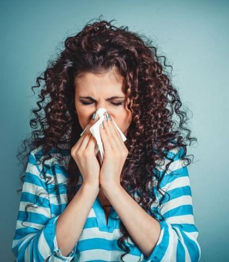 Vanmiddag urenlang extreem veel pollen in de lucht: ook komende dagen grote kans op hooikoortsklachten