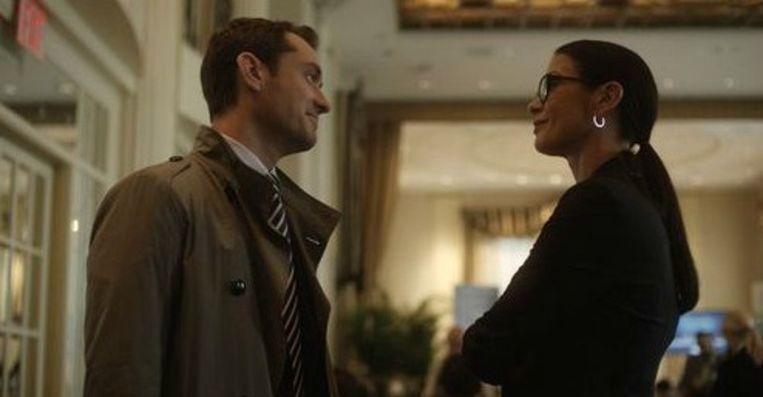 Jude Law en Catherine Zeta Jones in 'Side Effects' Beeld rv