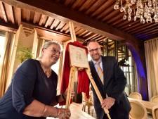 Oud-burgemeester Schoenmaker even terug op oude nest voor traditie