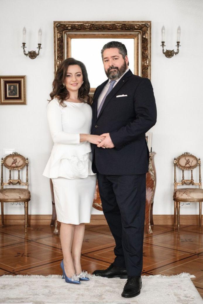 George Mikhailovich (39) heeft zich verloofd met de Italiaanse diplomatendochter Rebecca Bettarini.