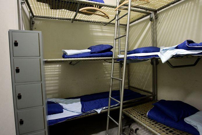 Als de staatssecretarissen moe worden van het luisteren naar de Troonrede kunnen ze ook even een tukkie doen in de Atoombunker in Rijswijk.