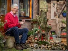 Opa Geert (79) wil zijn kleinzoon verrassen met een boom vol kabouters: 'Voor Tim hebben we alles over'