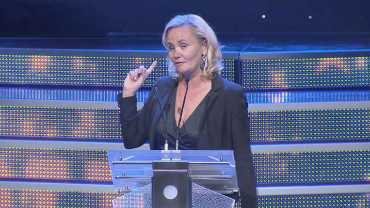 Vlaams minister Liesbeth Homans had een glas te veel op tijdens de Nacht van de Vlaamse Televisiesterren. Beeld VIER