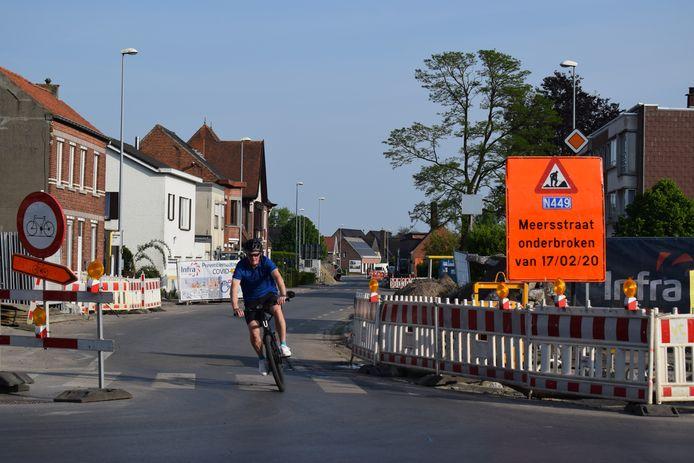 Na maanden werken gaat maandag het kruispunt van de Meersstraat en het Dorp opnieuw open.