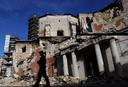 De schade in de binnenstad, direct na de aardbeving.
