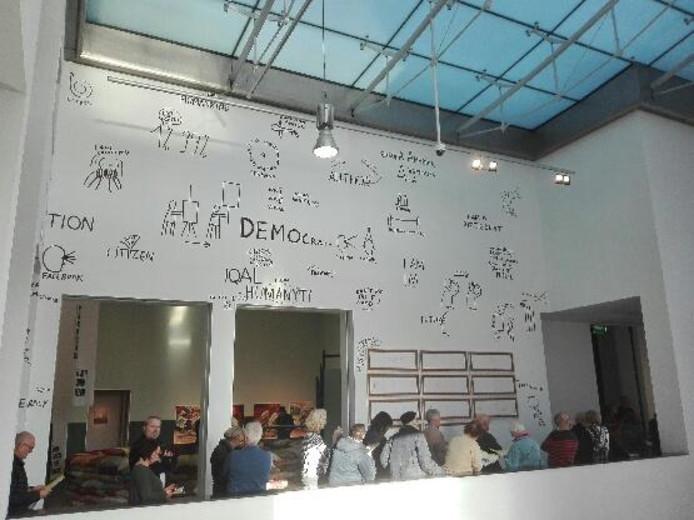De zaal met de 10 Topstukken van het Van Abbemuseum in Eindhoven.