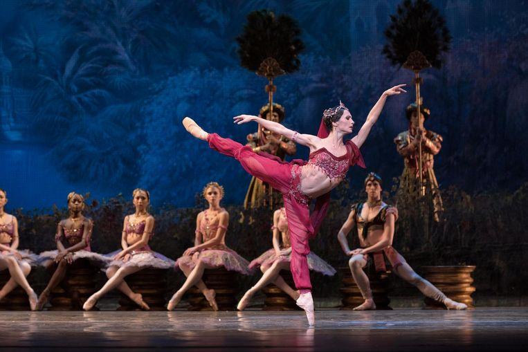 Danser Anna Tsygankova met Het Nationale Ballet in La Bayadere. Beeld Marc Haegeman