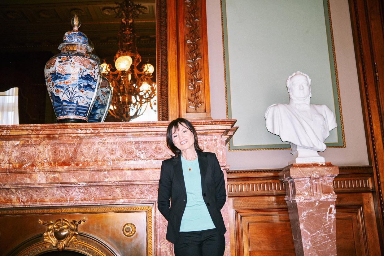 Linda De Win: 'Ze zijn bezig met mijn opvolger, ja. Maar de komende twee maanden 'Villa Politica' zijn nog van mij.' Beeld Thomas Sweertvaegher