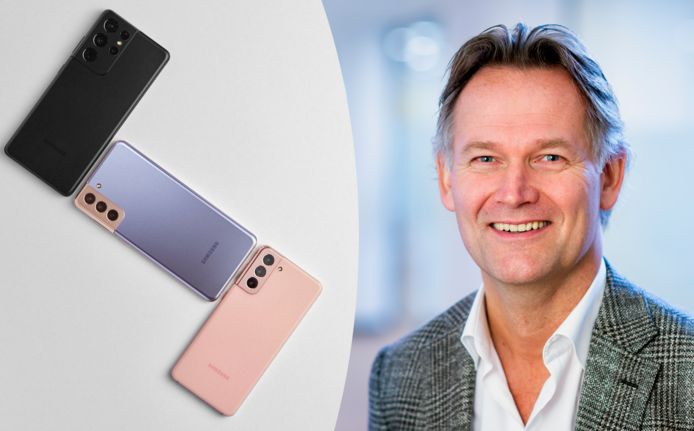 Links: de nieuwe Samsung Galaxy S21-smartphones. Rechts: Willem Visser, Vice President bij Samsung Electronics Benelux