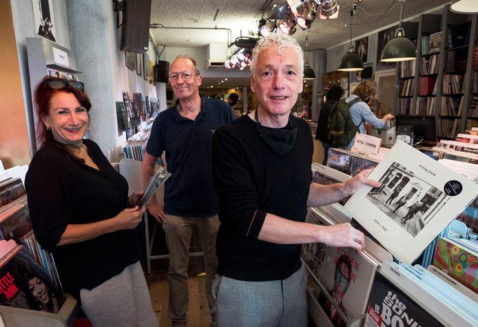 Vlnr: Marian de Beurs (punkband The Nixe), Jeroen Vedder (eigenaar Plato) en Erik de Jong (Spinvis) hebben bijgedragen aan verzamelalbum Utreg Punx 1978-1982 ter gelegenheid van Record Store Day.