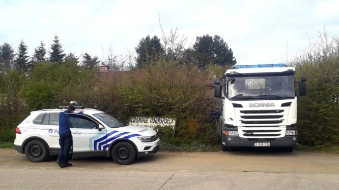 Politie ontdekt gevaarlijke stoffen en lading springstof in leegstaand bedrijfspand op industrieterrein