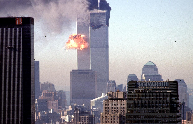 De aanslag op de WTC-torens. 'De regering-Bush heeft gefaald om Al Qaida ernstig te nemen.'  Beeld AFP