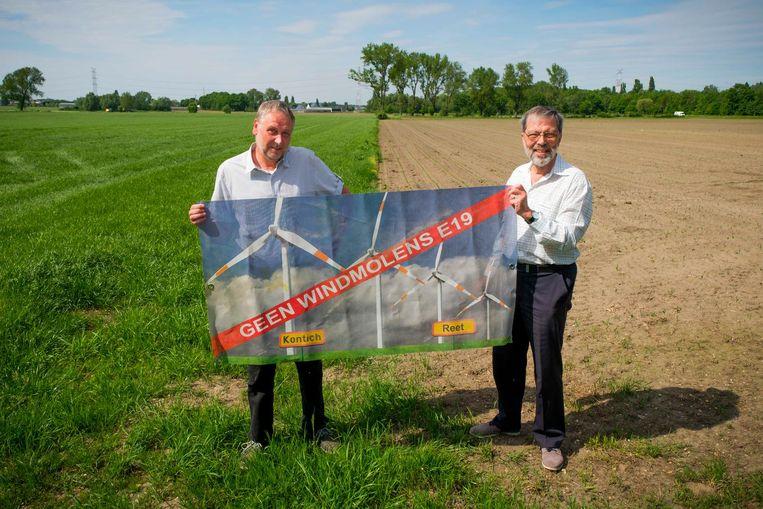 Welzijnsgroep 'Geen Windmolens E19' -met rechts Frans Baes- kreeg goed nieuws van de Raad voor Vergunningsbetwistingen.
