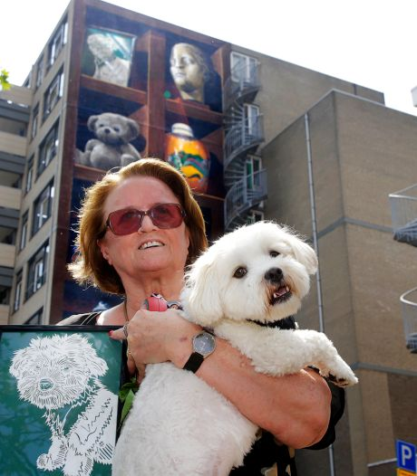 Hondje Joep sleepte Trees (68) erdoorheen na zware depressie, nu staat hij op gigantische muurschildering