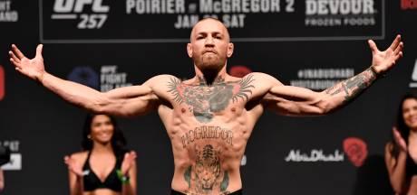 Conor McGregor is het wachten beu: 'Boek dat gevecht!'