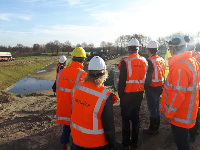 De pers kreeg een rondleiding bij de bouwprojecten van de N279.