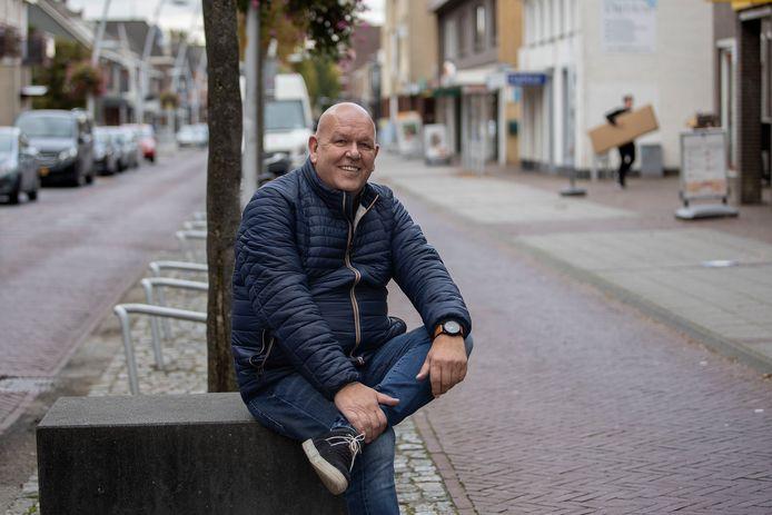 """Pieter Vosters is eigenaar van een aantal panden in het Bladelse centrum, onder andere in de Sniederslaan. ,,Pandeigenaren houden te lang vast aan hun vaste huur."""""""