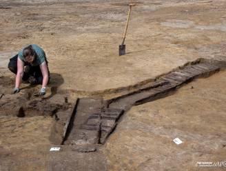"""Grondeigenaar legt graafwerken stil nadat archeoloog resten loopgraven in het oog krijgt: """"We dachten meteen aan een belangrijke verdedigingslinie"""""""