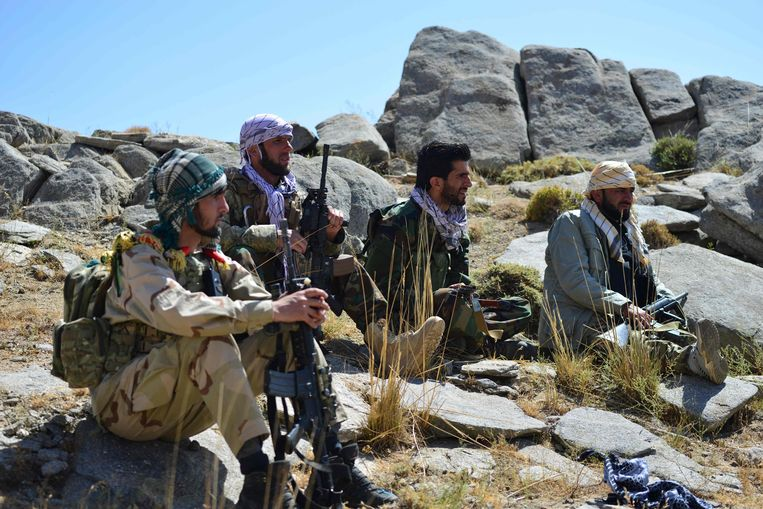 Illustratiebeeld. Enkele leden van het verzet tegen de taliban in de Panjshir-vallei. (01/09/2021) Beeld AFP