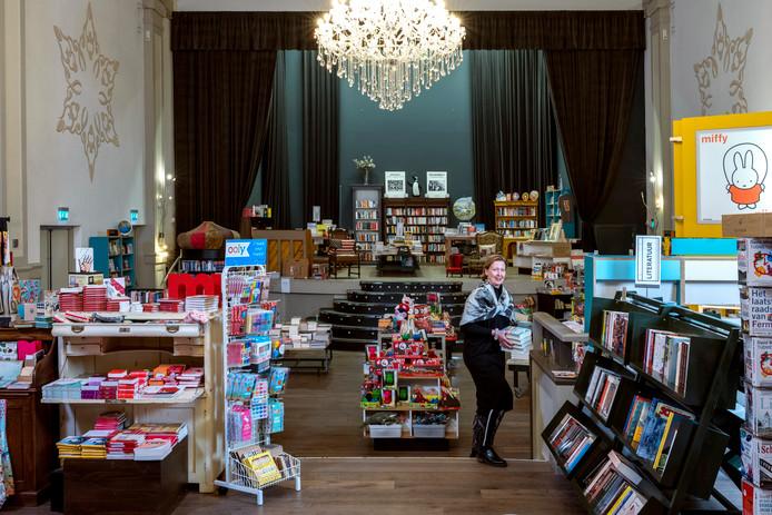 Grietje Braaksma in de Bredase boekhandel Grand Theatre