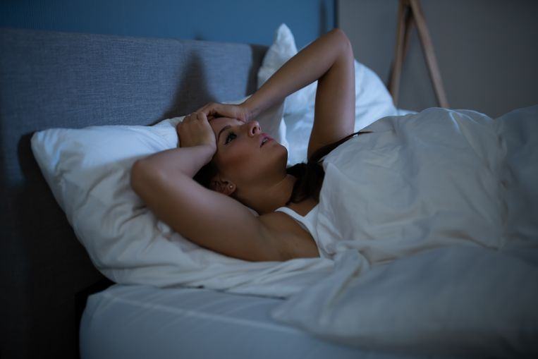 Dit is de verstorende invloed van alcohol op je nachtrust volgens slaapexpert Mark Schadenberg Beeld Getty Images/iStockphoto
