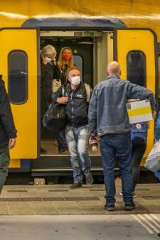 Tielenaar stapt naar rechter om 'gebrekkige' naleving 1,5 meter in trein: 'Veiligheidsregio moet handhaven'