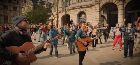 Politie deelt pv's uit na flashmob met 300 personen op Sint-Baafsplein