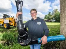 Pieter (19) is de held van Flevoland door deze speciale machine tegen de jeukrups