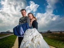 Zij stelden hun trouwfeest al drie keer uit: 'Niet nóg eens, dan staat zijn vader niet op de foto's'