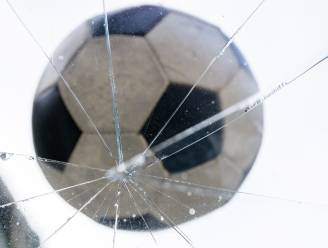 Schopt je kind een voetbal door een raam? Dit is waarom je een familiale verzekering nodig hebt