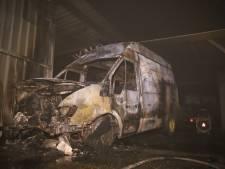 IJscowagen volledig uitgebrand in Naaldwijk