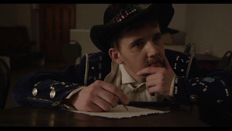 Oleg leert in de documentaire 'Don Juan' hoe je een man wordt Beeld .
