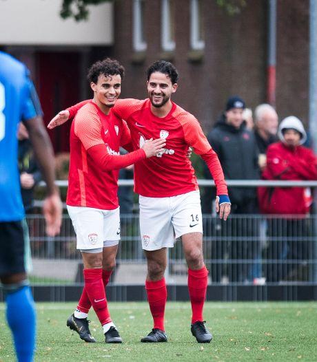 Met Nick Verhagen als de 'Dumfries van Woerden' laat Sportlust'46 geen spaan heel van Ajax