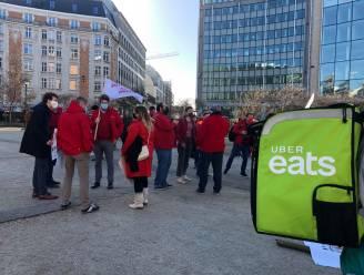 Koeriers en vakbonden voeren actie tegen uitbuiting van maaltijdbezorgers