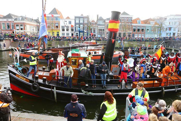 De intocht van Sinterklaas in 2019. Zijn Pieten blijven welkom, als ze hun uiterlijk maar gaan aanpassen.