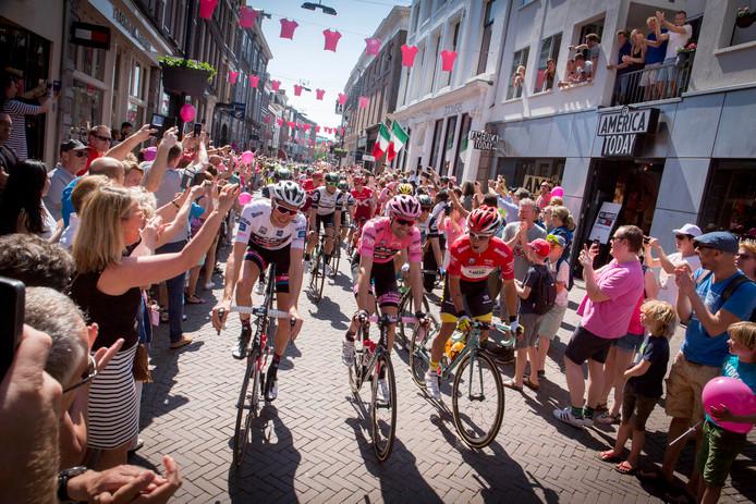 De tweede etappe van de Giro d'Italia van 2016 startte in het centrum van Arnhem.