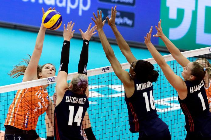 De Twentse international Juliët Lohuis gaat volgend seizoen spelen bij de Duitse kampioen Stuttgart.
