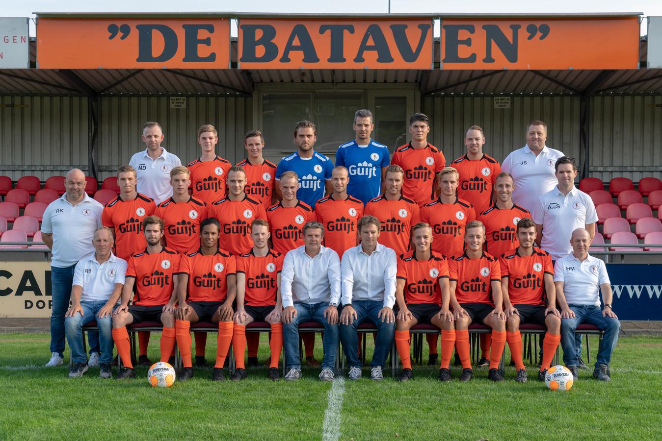 Teamfoto van de selectie van De Bataven