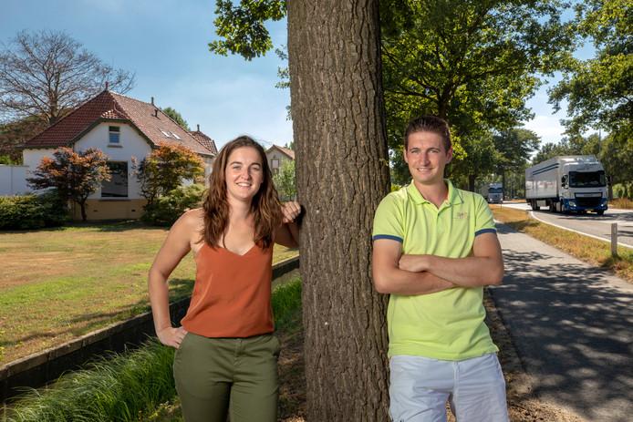 Zus en broer Anne en Martijn van den Brand van logistiek dienstverlener BAM Vermeer gaan in Haaren distributiecentrum Greenport Haaren ontwikkelen. Dat komt pal naast de N65 bij villa Louisahof.