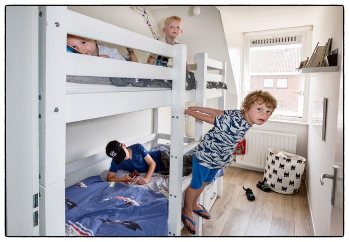Bij Myrke van der Does is het aardig puzzelen met alle kinderen en een beperkt aantal kamers.