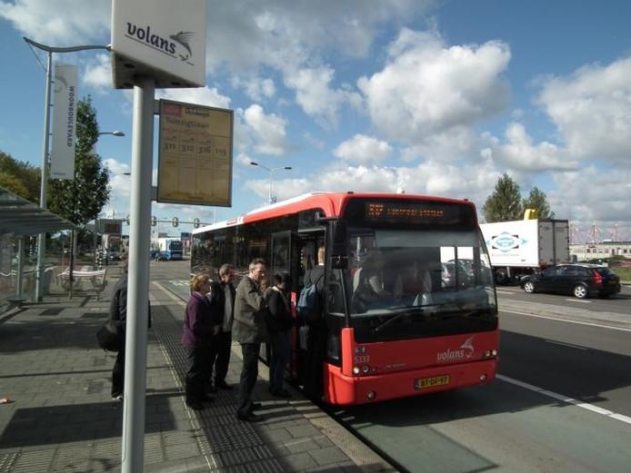 Openbaar vervoer Breda laat te wensen over? Valt nogal mee, denkt Veolia. foto Jeroen Roth