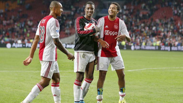 De drie Ajacieden die naar Jong Oranje gaan. Vlnr: Kenny Tete, Riechedly Bazoer en Jairo Riedewald. Beeld pro shots