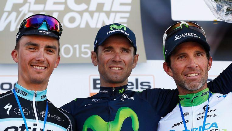 Het podium van vorig jaar: Alaphilippe (l) en Albasini flankeren Valverde op het podium. Beeld EPA