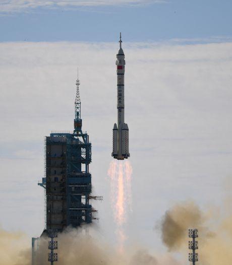 La Chine envoie 3 astronautes vers sa station spatiale