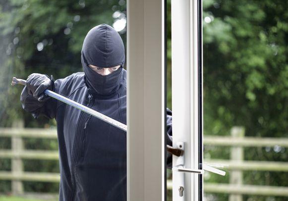 Elke inbreker moet nu zijn DNA afstaan als hij gepakt wordt.