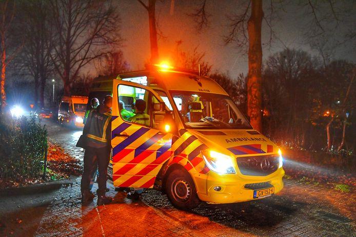 Ambulancepersoneel schoot te hulp toen eind november een man uit Duizel een mes in zijn hart kreeg maar hij was niet meer te redden. Zijn broer ging kort daarop in de boeien.